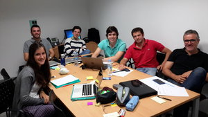 trabajando en equipo una nueva estrategia de oceano azul para una pyme